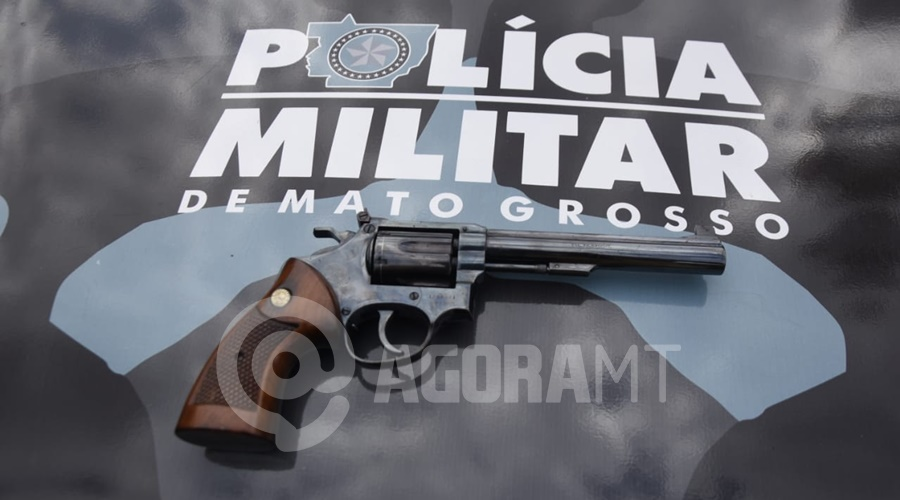 Imagem: arma apreendida Suspeito é preso após disparos e afirma que estava testando a arma
