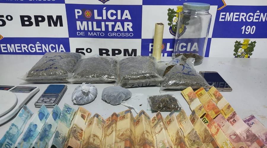Imagem: c1a051cf 773b 4b23 bbc0 e2a0f1b7697d Jovem é preso em residência com grande quantidade de drogas