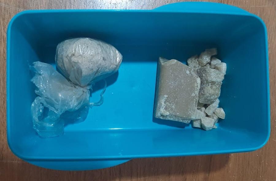 Imagem: droga apreendida 3 Idoso afirmou que vendia drogas para complementar renda
