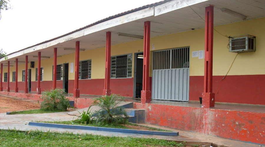 Imagem: escola amelia Seduc-MT diz que não há prazo para reformar escola com risco de desabamento