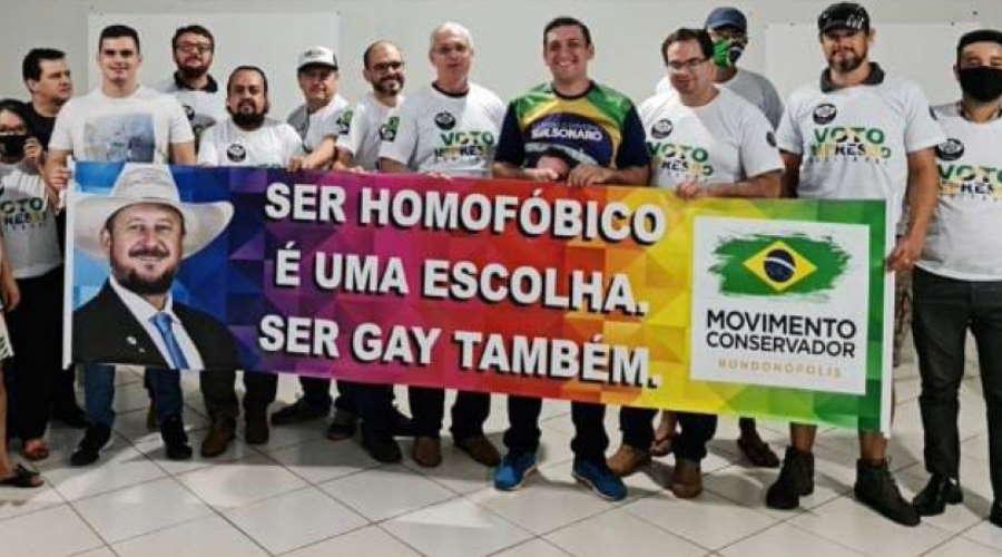 Imagem: faixa homofobia Lideranças conservadoras repudiam apoio à homofobia em Rondonópolis