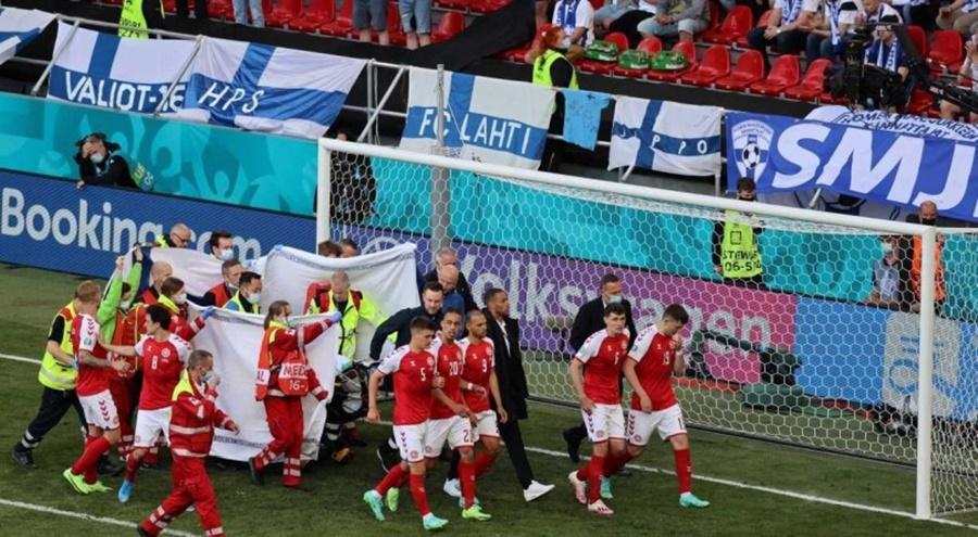 Imagem: jogador da Dinamarca socorrido Jogador da Dinamarca tem sinais vitais reestabelecidos após queda