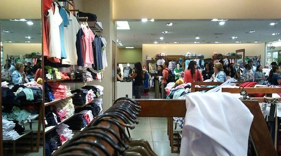 Imagem: loja de roupas comercio dia das maes compras 06052021195758069 Economia brasileira cresce no 1º tri e volta ao patamar pré-pandemia