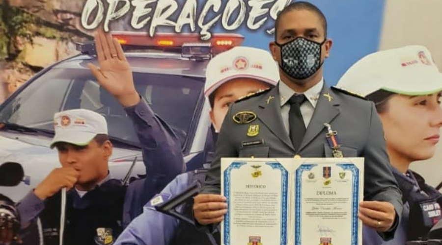 Imagem: mj candido meritorodoviario Oficiais da PM são homenageados por serviços prestados na região