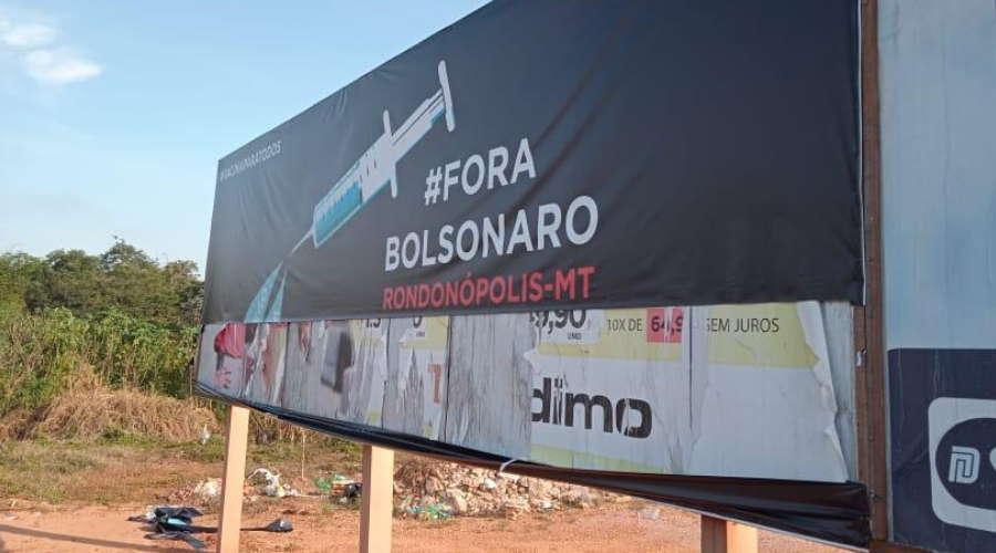 Imagem: outdoor vandalo roo Vândalos atacam outdoor com crítica a Bolsonaro em Rondonópolis