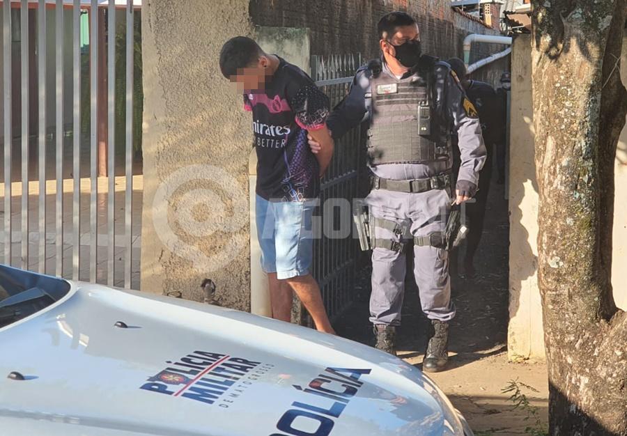 Imagem: pm prende Polícia prende dois suspeitos de furto em Tangará da Serra