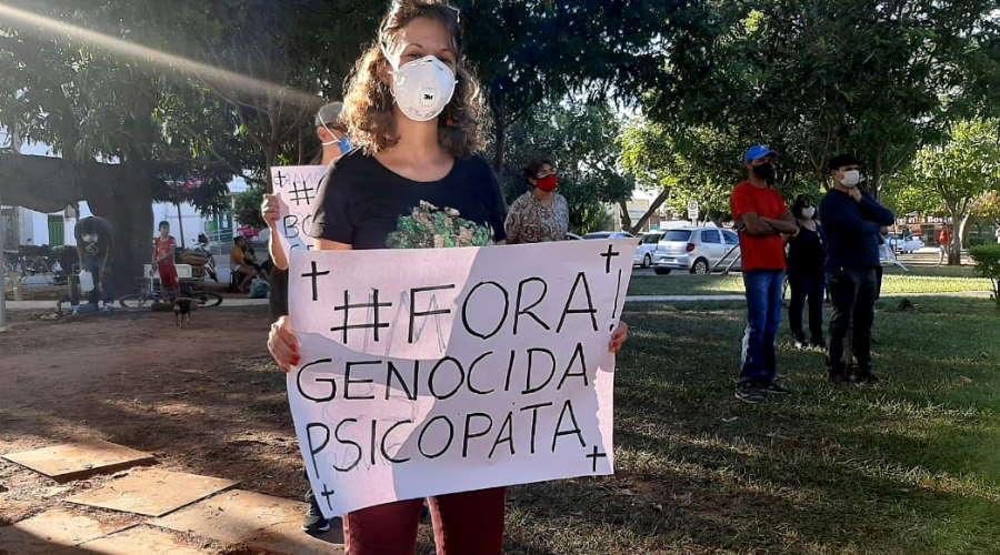 Imagem: prot bol 19 Protesto na Vila Operária marcou ato nacional em Rondonópolis