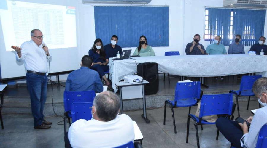 Imagem: reuni prefeitos Prefeitos e secretários da região discutem ação conjunta contra a Covid-19