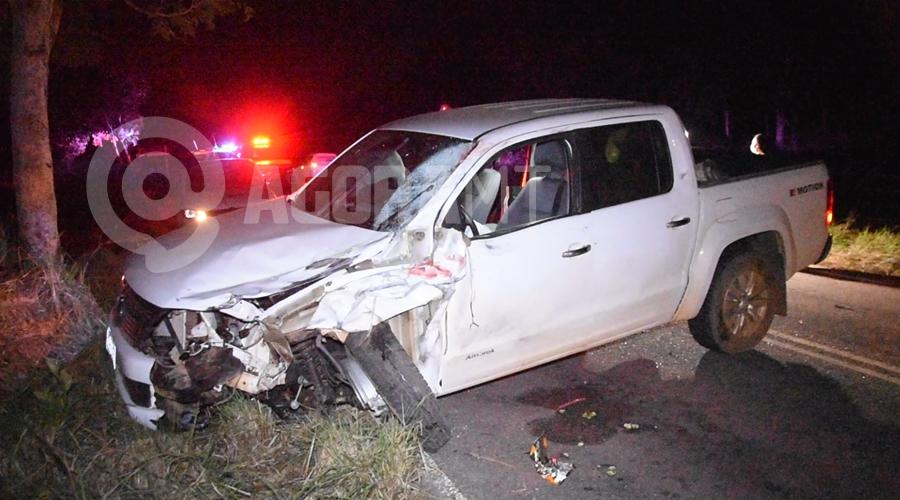 Imagem: Caminhonete envolvida no acidente Acidente na Rodovia do Peixe mata jovem de 25 anos e menor de 16