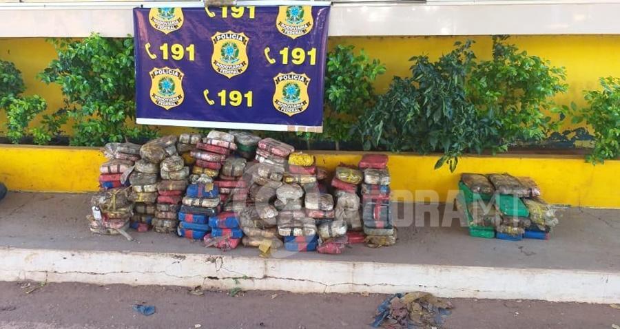 Imagem: DROGA APREENDIDA 2 Caminhoneiro é preso transportando cerca de 300 Kg de pasta base de cocaína