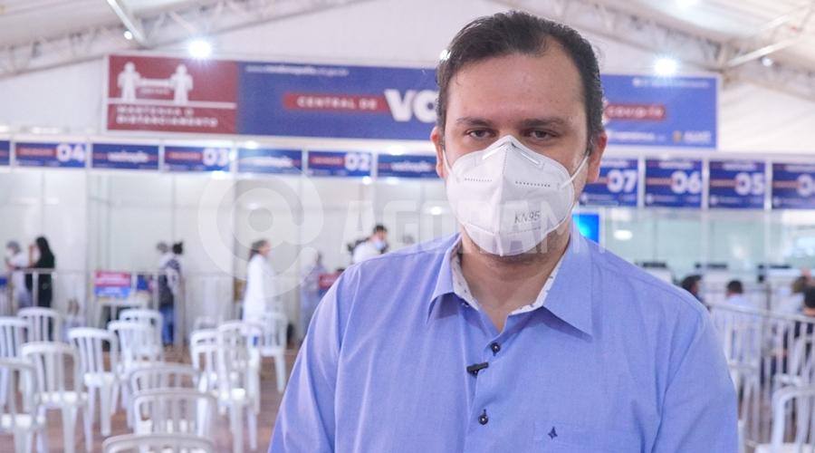 Imagem: Dep Thiago Silva em visita central de vacinacao Corujão das vacinas é inaugurado e visa atender diariamente