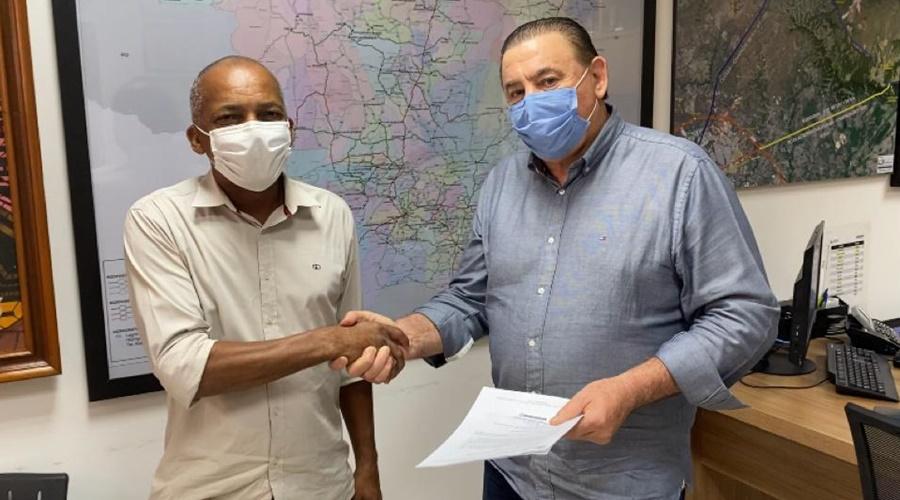 Imagem: Deputado Nininho e vereador Joao Batista Deputado Nininho recebe demandas de bairros de Rondonópolis.