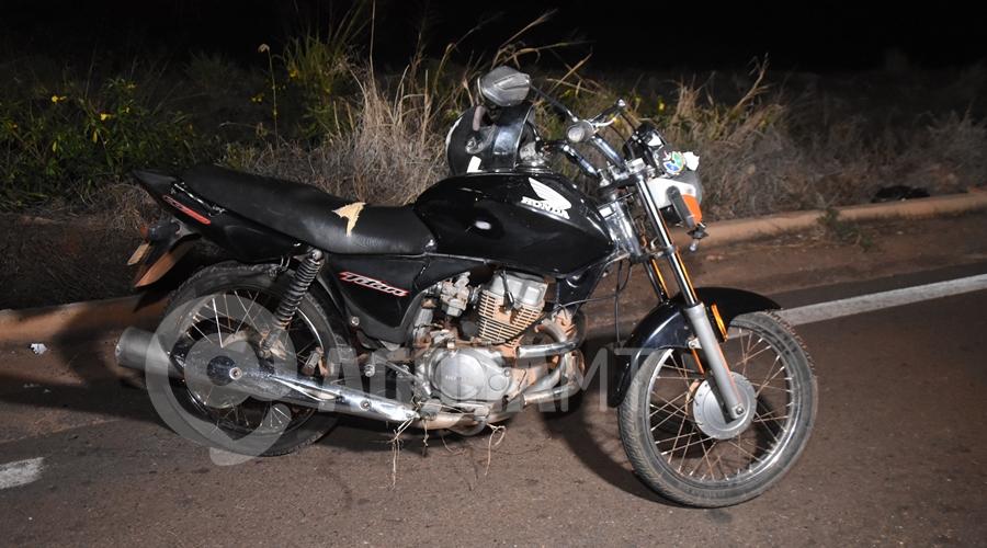 Imagem: Moto que a vitima pilotava Motociclista fica em estado gravíssimo após cair em rotatória