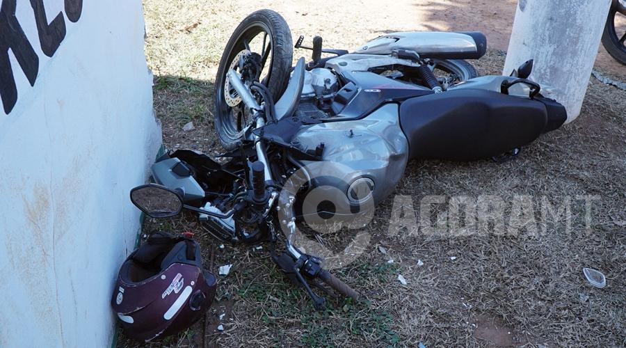Imagem: Motocicleta da vitima 1 Motociclista tem fratura exposta após sofrer acidente na MT 270