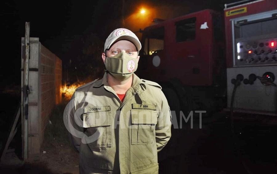 Imagem: Sargento Guerini Corpo de Bombeiros Corpo de Bombeiros é acionado para conter incêndio de grandes proporções