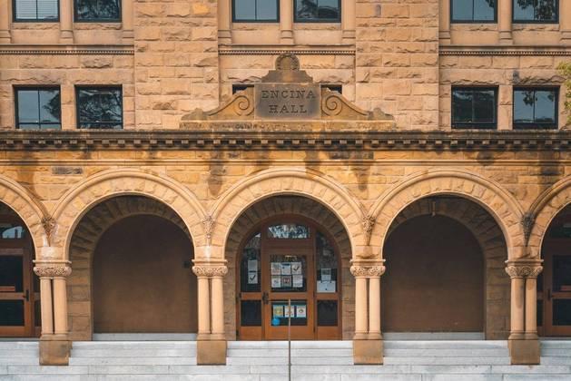 Imagem: Stanford University Veja como estudar em universidades dos EUA sem sair de casa