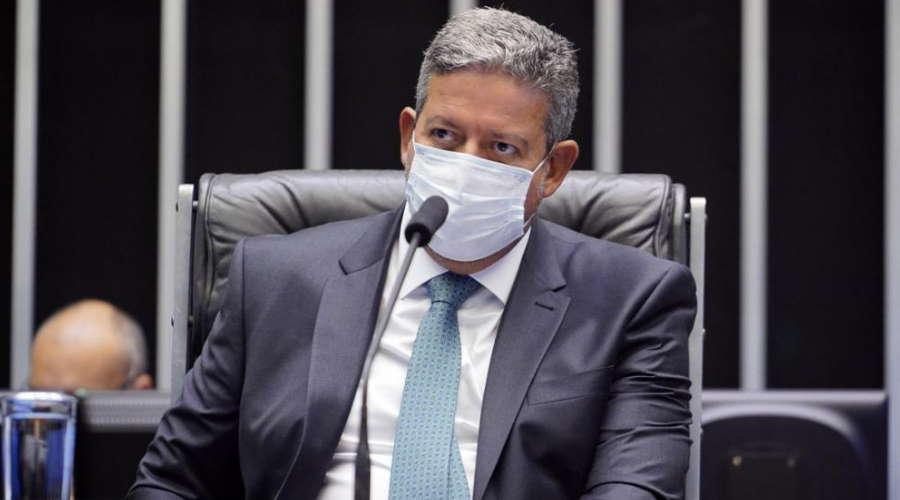 Imagem: arthur Lira mesa Lira defende mudanças nos partidos e novas regras eleitorais