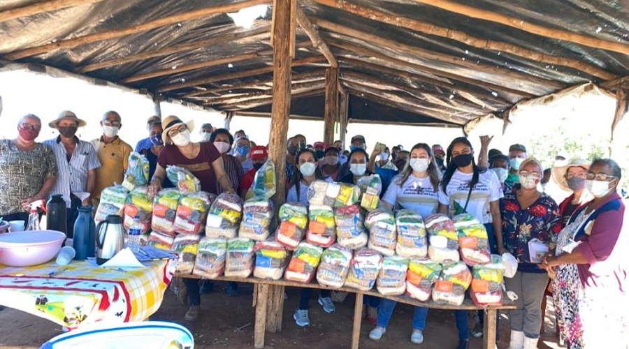 Imagem: cestas primaveradoleste Prefeitura de Primavera entrega cestas básicas para famílias do assentamento Nova Aliança