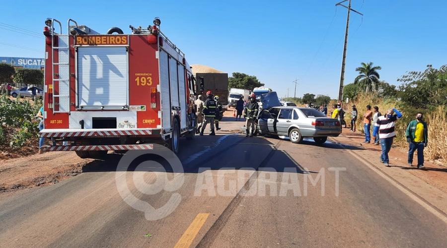 Imagem: ef4ceb0d 3cf4 4fdb a8ee c887a122ffeb URGENTE | Mulher morre após carro bater em carreta no anel viário