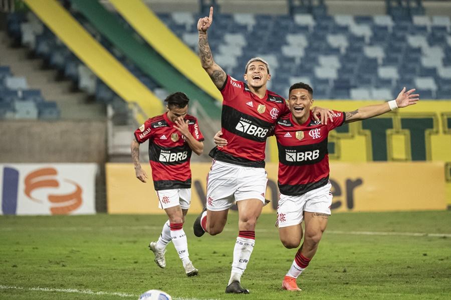 Imagem: fLAMENGO Cuiabá não supera o Flamengo e perde por 2 a 0 na Arena Pantanal