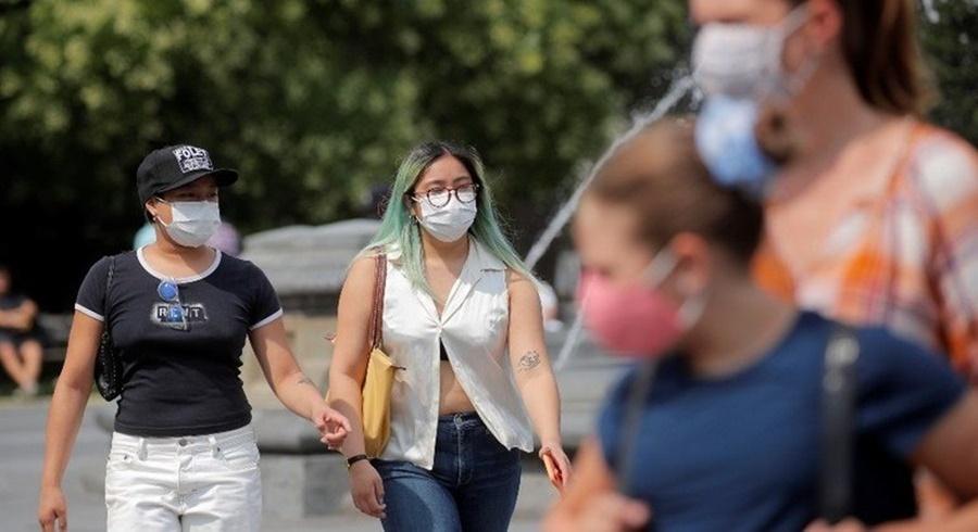 Imagem: mascara EUA Reuters EUA recomendam que vacinados usem máscara