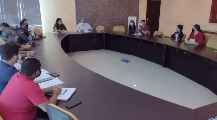 Imagem: reun conselho crise Prefeito confirma aulas presenciais e abertura de parques em Rondonópolis
