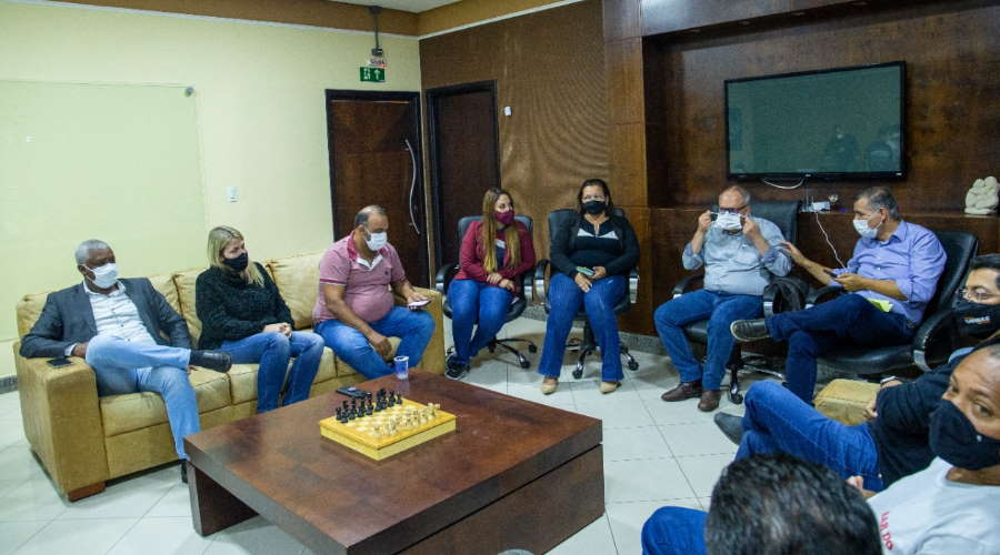 Imagem: reun prefeito bares vereadors Prefeito ouve pedidos de redução em restrições e convoca Comitê de Crise