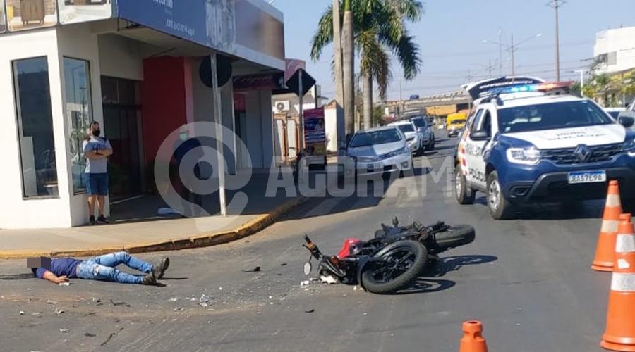 Imagem: 5b2a8580 bd89 4b3d b672 3c05a18171f1 Trabalhador fica ferido após colisão em cruzamento