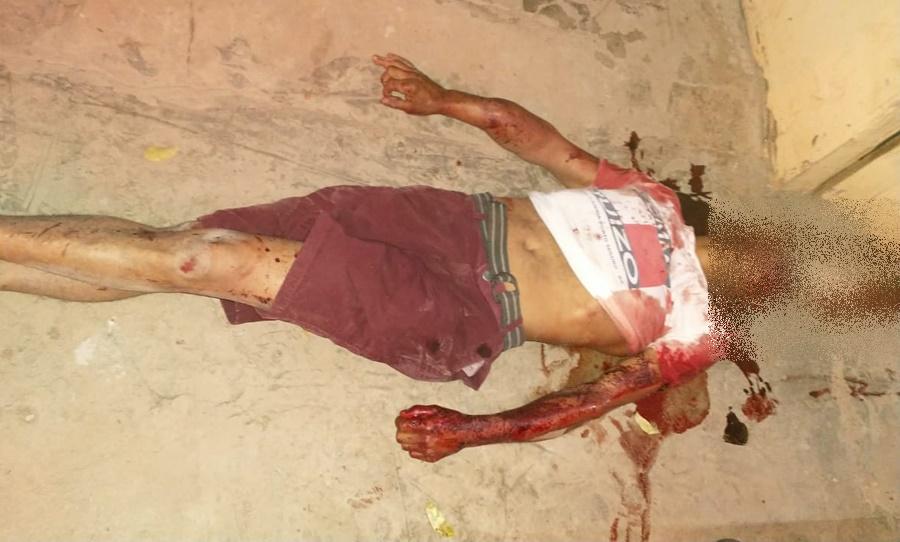 Imagem: A vitima foi identificada sendo Gilson Soares da Silva de 38 anos Homem é morto com golpes de facão em Rondonópolis