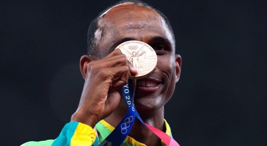 Imagem: Alison dos Santos Atletismo | Alison conquista o bronze nos 400 m com barreiras