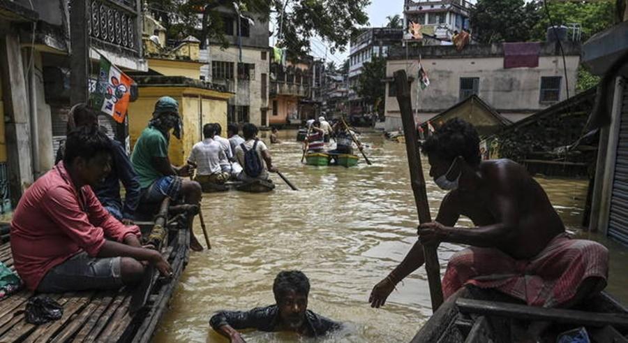 Imagem: Chuva na India Chuvas deixam mais 16 mortos e milhares de desabrigados na Índia