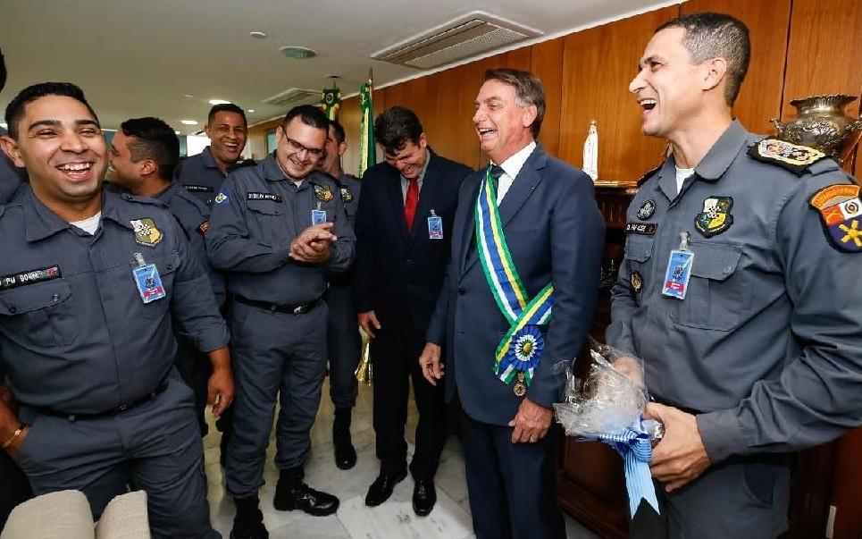 Imagem: PM MT Corpo Musical da PM se apresenta para Bolsonaro