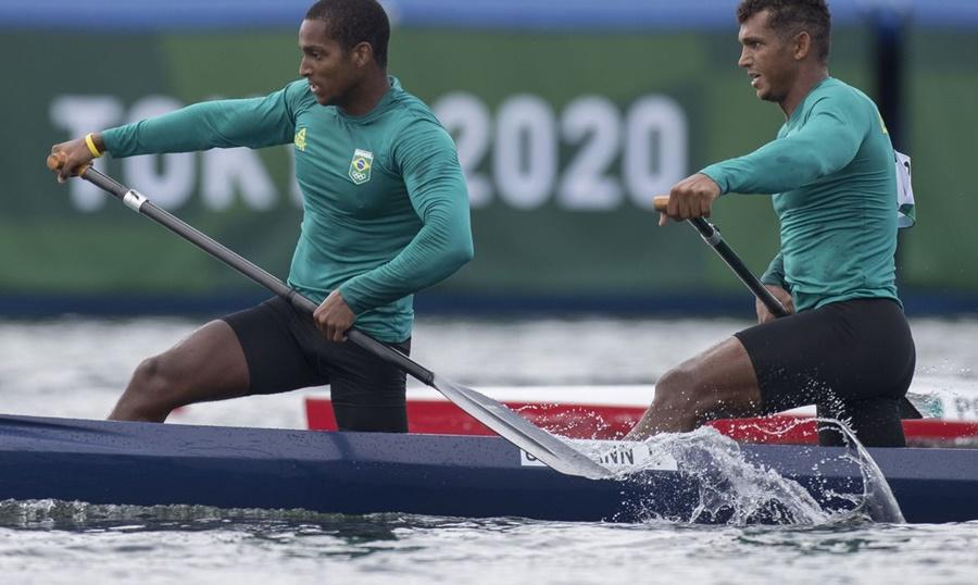 Imagem: canoagem Isaquias Queiroz e Jacky Godmann garantem vaga na final da canoagem