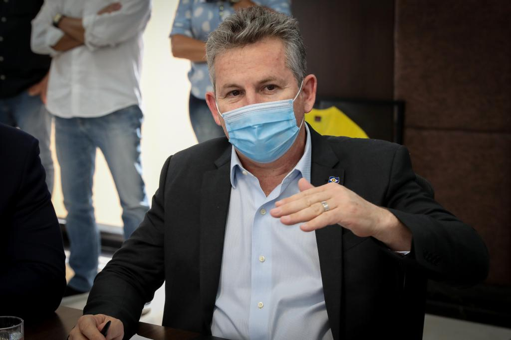 """Imagem: governador mauro mendes Mendes diz ter sugerido que """"secretários candidatos"""" deixam cargos em dezembro"""