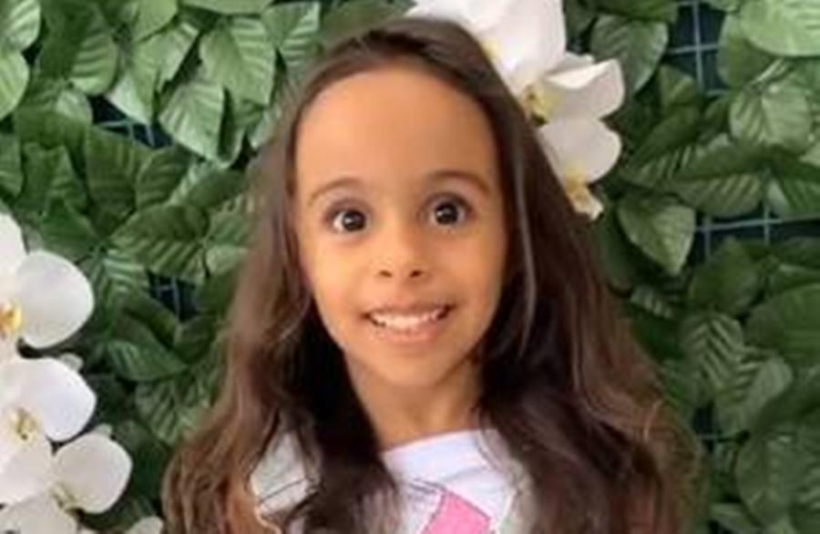 Imagem: menina de 4 anos Menina de 4 anos morre após ataque de cachorro da família