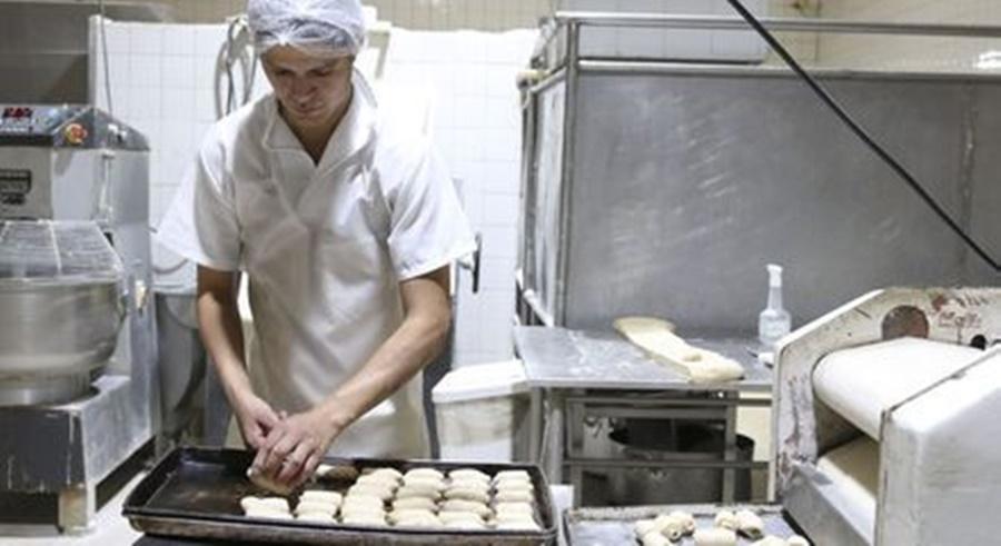 Imagem: padeiro Pequenos negócios representam mais de 70% dos empregos criados no Brasil