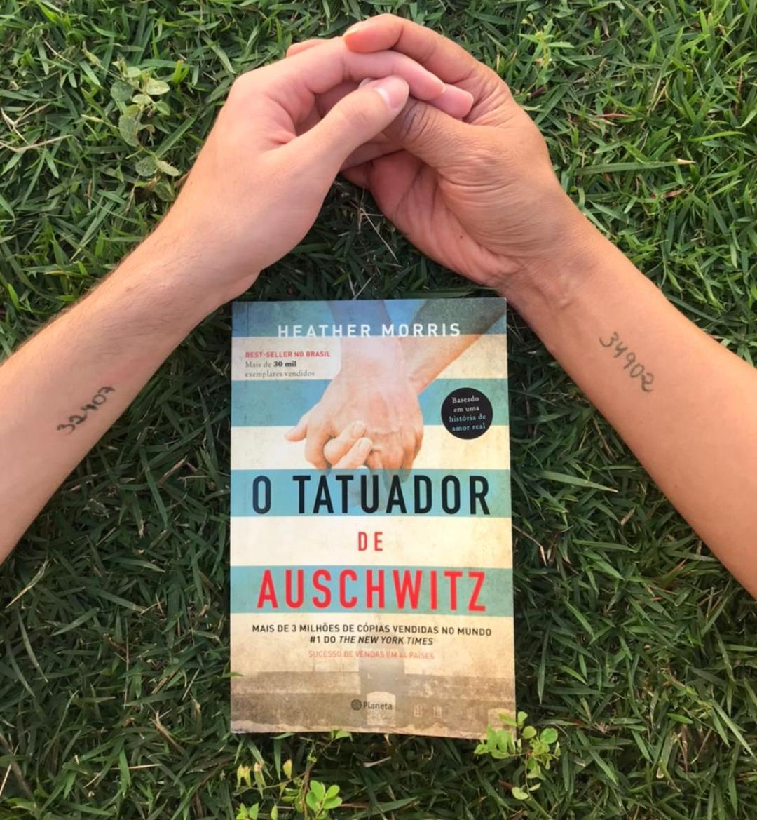 Imagem: tatuador de au O Tatuador de Auschwitz