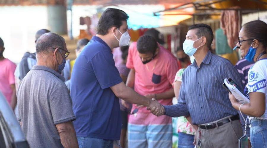 Imagem: tiago feira Thiago Silva visita bairros e feiras para fazer 'prestação de contas'