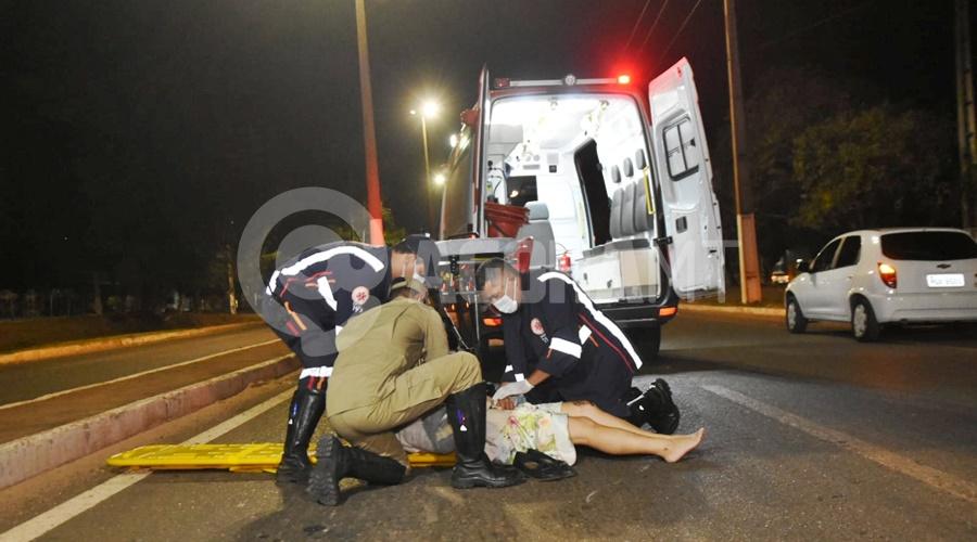 Imagem: vitima socorrida Motociclista se envolve em acidente na avenida dos Estudantes