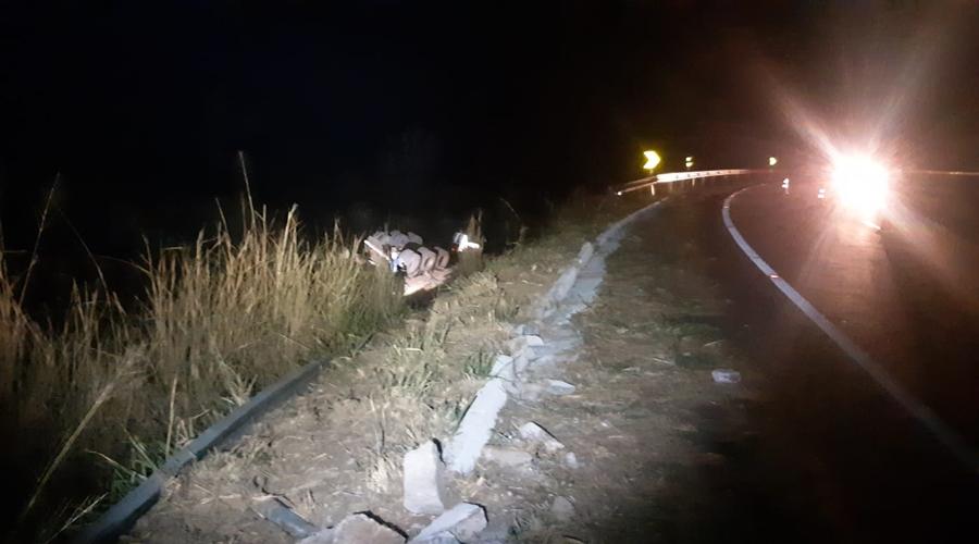 Imagem: 12a326e8 247d 4db5 8d67 62641ab8dbd2 Motorista morre após pular de carreta em movimento na Serra da Petrovina