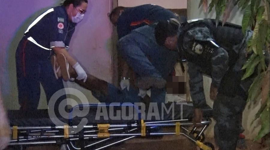 Imagem: 7f204cc4 1386 49d4 9417 fd9dd11d1d00 Homem é atingido por cerca de três disparos de arma de fogo na cabeça