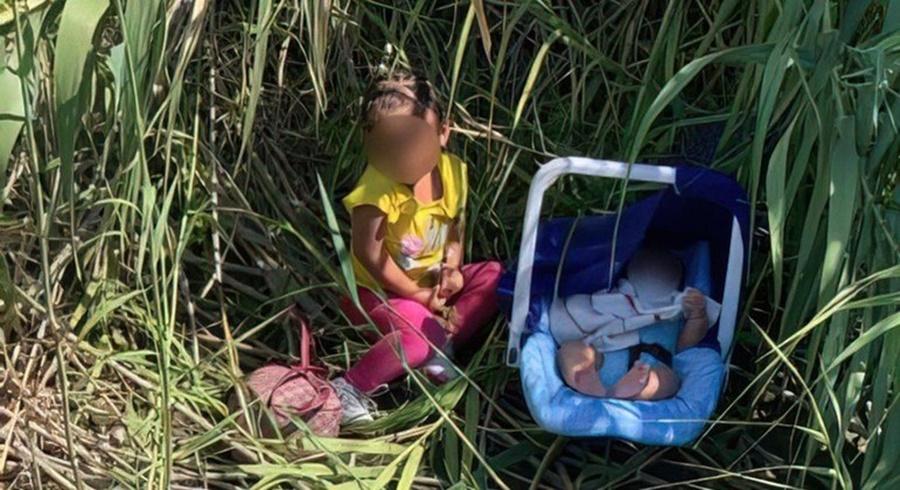 Imagem: CRIANCAS ABANDONADAS Agentes da fronteira acham duas crianças abandonadas nos EUA