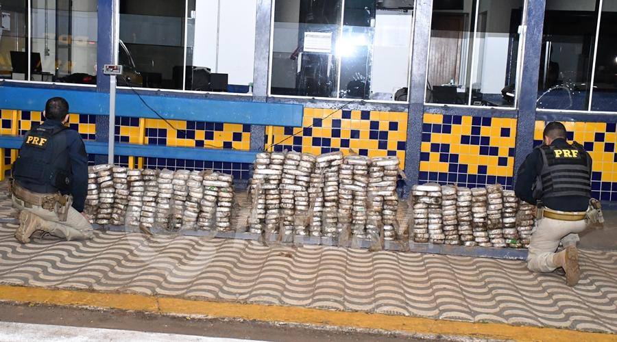 Imagem: Cloridrato de cocaina apreendido no posto 201 em Rondonopolis PRF apreende 390 quilos de pasta base de cocaína em pneus de carreta