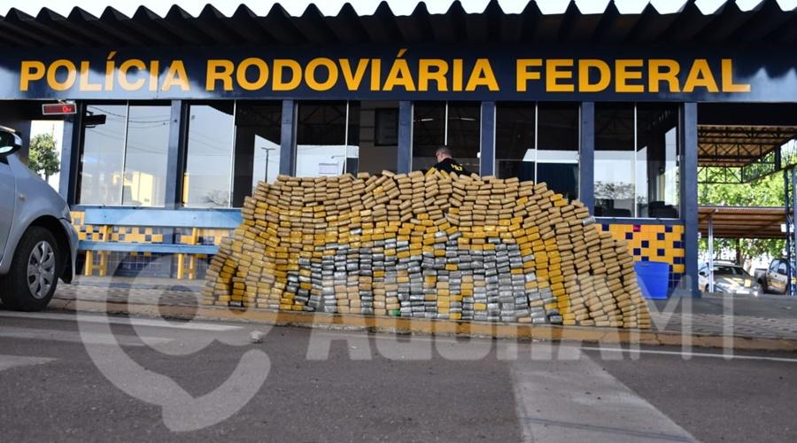 Imagem: Droga apreendida em Rondonopolis Tráfico fica no prejuízo após apreensão de mais de meia tonelada de droga em Rondonópolis