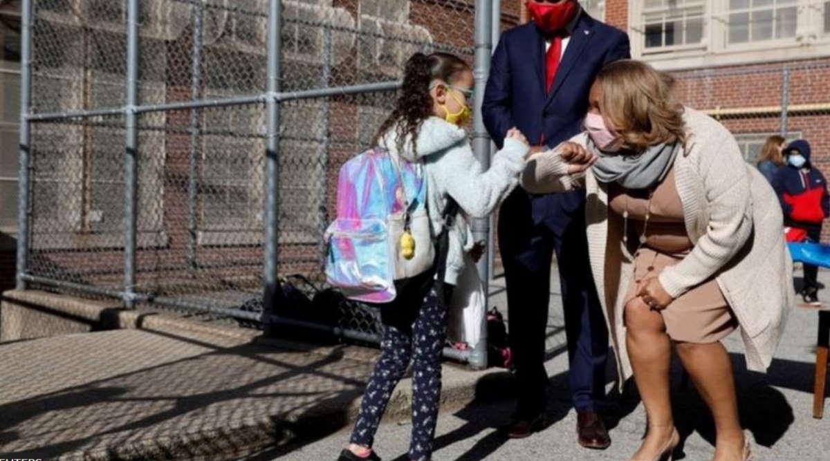 Imagem: EUA volta aulas EUA discutem segurança após caso de professora que contaminou alunos