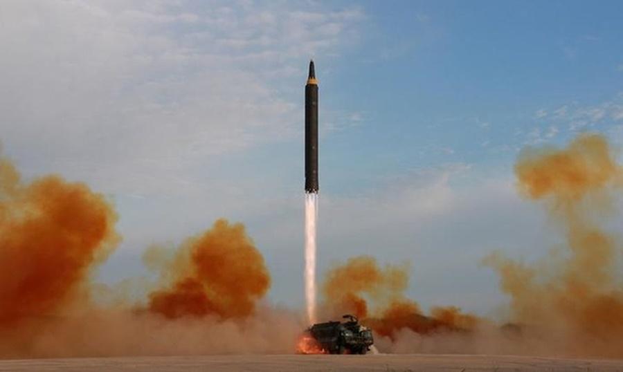 Imagem: MISSEL COREIA Coreia do Norte lança míssil balístico a partir de sistema ferroviário