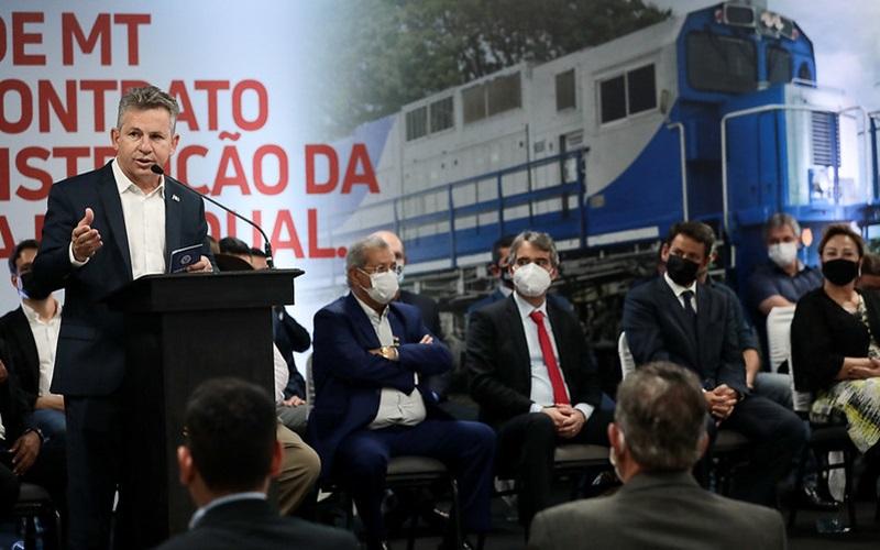 """Imagem: Mauro Mendes ferrovia """"Ferrovia será corredor para indústria, conectando MT aos grandes centros"""""""
