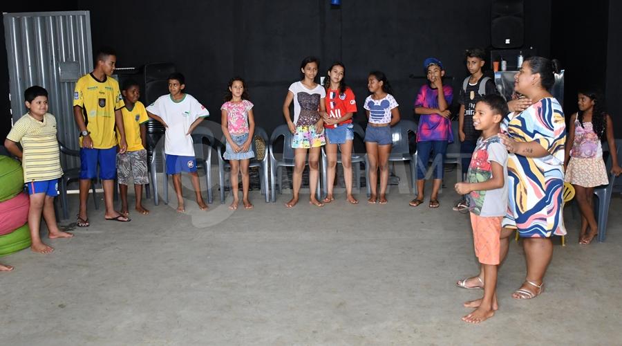 Imagem: Momento de Oracao Projeto 'Jardim de Deus' atende crianças carentes e se mantém através de doações