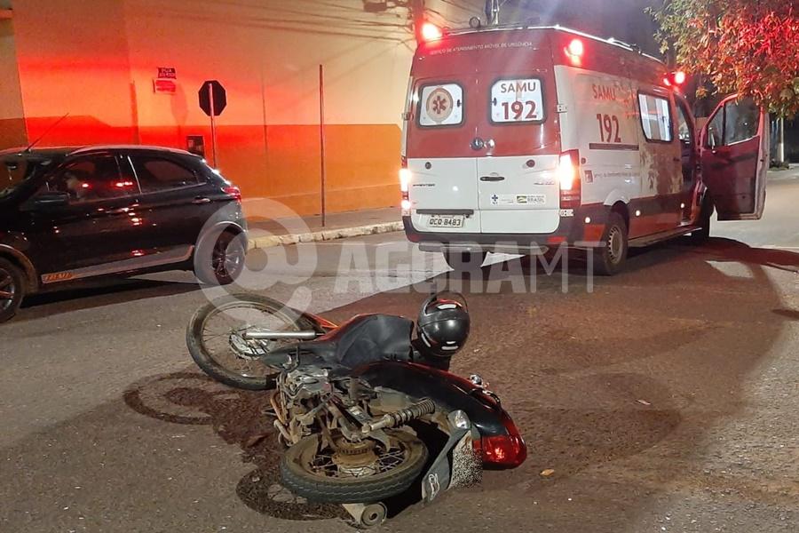 Imagem: O jovem de 23 anos invadiu a preferencial Motociclista fica gravemente ferido após se envolver em acidente com Van