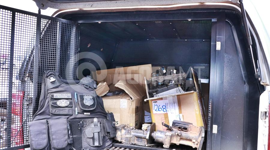 Imagem: Pecas apreendidas durante a acao policial Derf desarticula esquema de empresas envolvidas no comércio de peças furtadas de caminhões